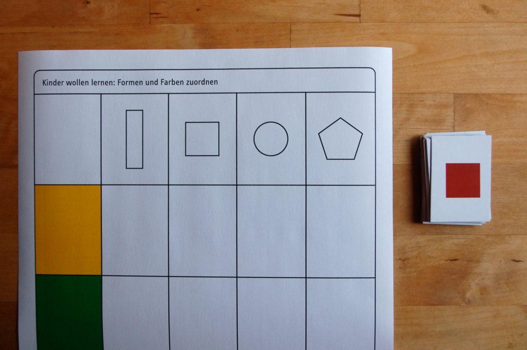 Foto von einem Zuordnungsspiel mit Farben und Formen