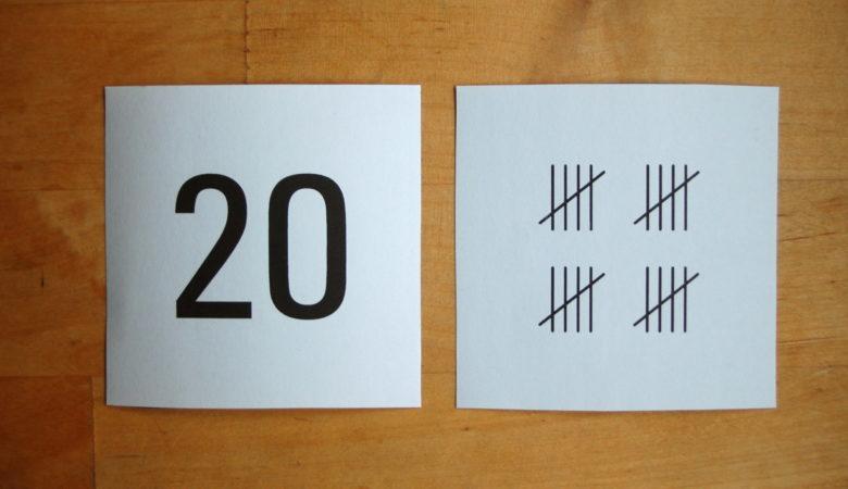 Foto von verschiedenen Darstellungen der Zahl 20